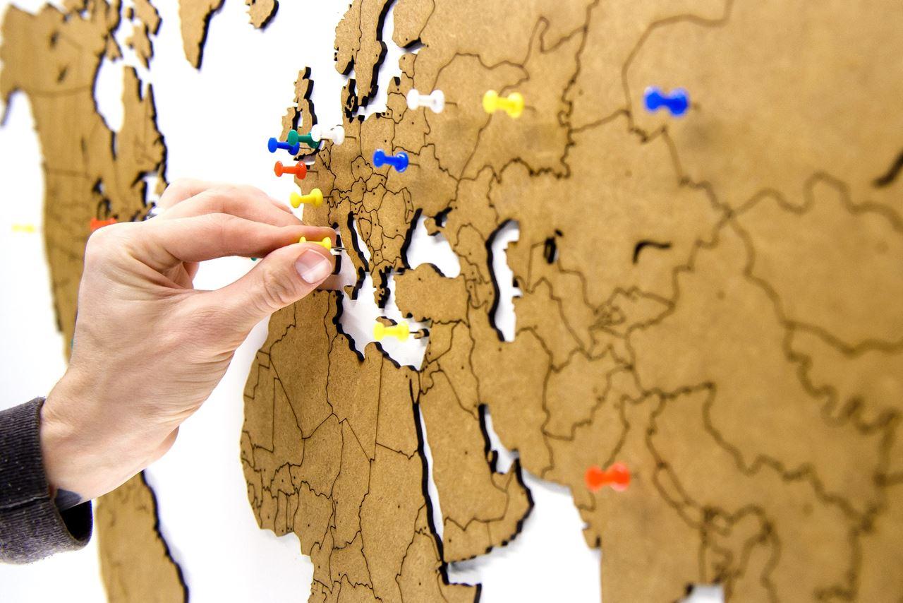 Channel distribution gifts en gadgets mimi innovations luxury mimi innovations luxury wooden world map true puzzle 100x60 cm base gumiabroncs Gallery